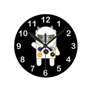 Gatito del astronauta reloj redondo mediano