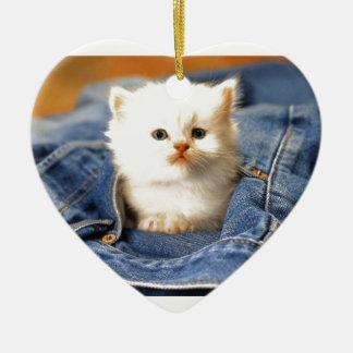 Gatito del bolsillo adorno navideño de cerámica en forma de corazón