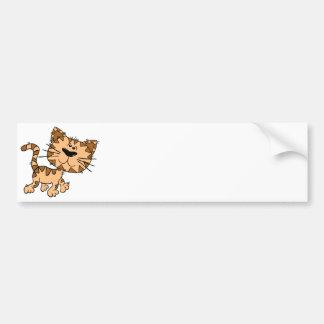 Gatito del dibujo animado etiqueta de parachoque