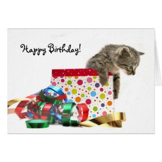 Gatito del feliz cumpleaños felicitaciones