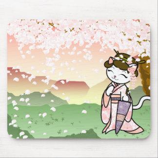 Gatito del geisha de la flor de cerezo mouse pad