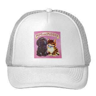 Gatito del perro del gato de los perritos y de los gorras de camionero