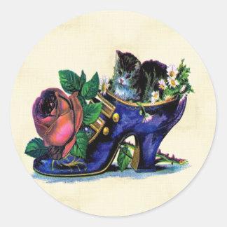 Gatito del vintage en Shoe Sticker de señora Etiquetas Redondas