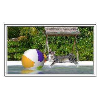 Gatito en el lado del lago tarjetas de visita