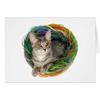 Gatito en hilado tarjeta de felicitación