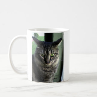 Gatito enojado taza básica blanca