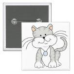 Gatito gris feliz pin