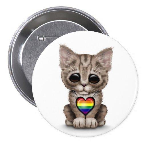 Gatito lindo con el corazón del orgullo gay del ar pins
