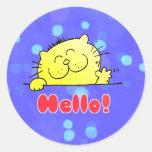 Gatito lindo del dibujo animado hola pegatina redonda