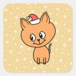 Gatito lindo del jengibre que lleva un sombrero pegatina cuadradas personalizada