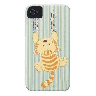 Gatito lindo que rasguña la casamata del iphone 4 carcasa para iPhone 4