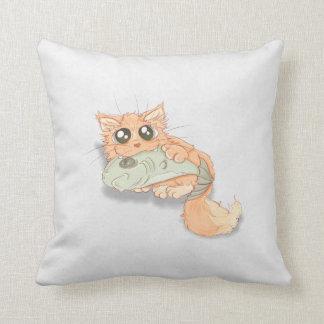 Gatito observado grande con ilustraciones de los p almohada