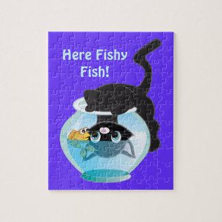 Gatito, pescados y cuenco lindos del dibujo rompecabeza