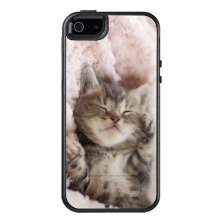 Gatito que duerme en la toalla funda otterbox para iPhone 5/5s/SE