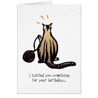 Gatito que hace punto tarjeta pequeña
