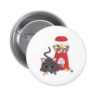 Gatito que juega con Gumballs Pin
