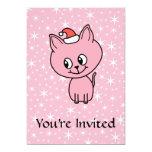 Gatito rosado lindo en un sombrero del navidad invitación 12,7 x 17,8 cm
