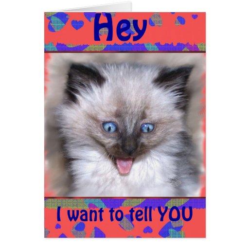 Gatito siamés con de la lengua la tarjeta del de a