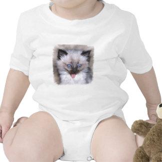 Gatito siamés con la lengua hacia fuera trajes de bebé