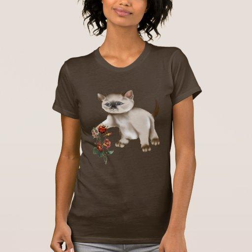 Gatito siamés CONTRA la camiseta de la mariquita