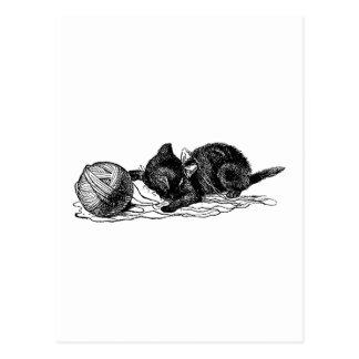 Gatito y bola postal