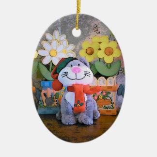 Gatito y bufanda del peluche adorno navideño ovalado de cerámica
