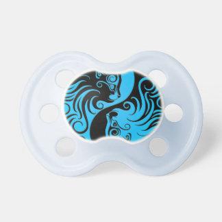 Gatitos azules y negros de Yin Yang Chupetes De Bebe
