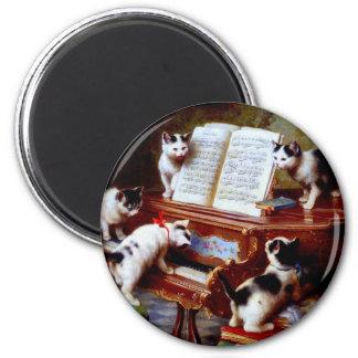Gatitos de Carl Reichert que juegan el piano Imán De Frigorífico