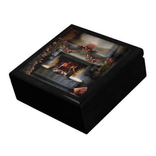 Gatitos de la noche del solsticio caja de recuerdo