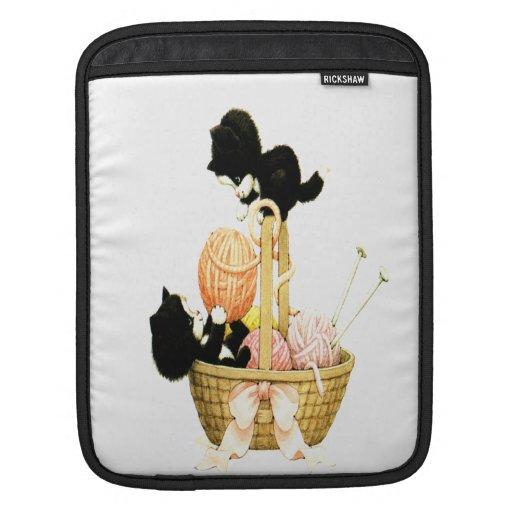 Gatitos del vintage en una cesta de hilado funda para iPads