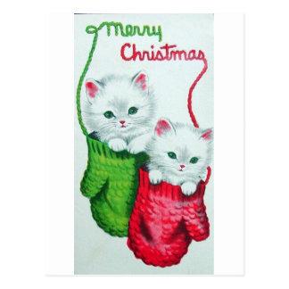 Gatitos en Felices Navidad de las manoplas Tarjetas Postales
