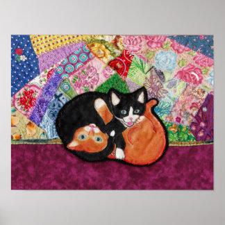 Gatitos que juegan en el poster del edredón de la