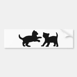 Gatitos que juegan lindos pegatina para auto