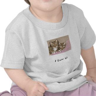 Gatitos soñolientos - camiseta del bebé de I Luv U