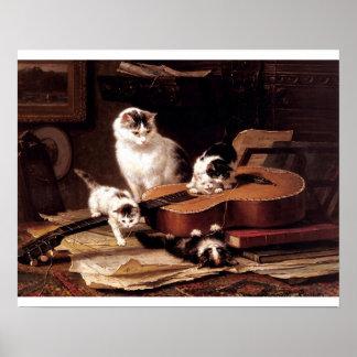 Gatitos traviesos que tocan la guitarra posters