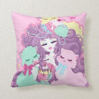 Gatitos y helado - Srta. Kika Pillow Cojin