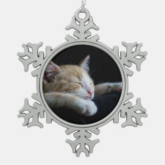 gato adorno de peltre en forma de copo de nieve