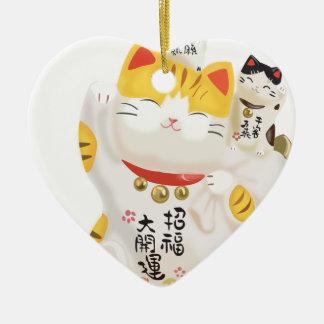 Gato afortunado japonés adorno de cerámica en forma de corazón