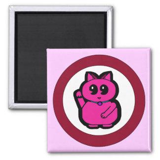 Gato afortunado rosado imán cuadrado