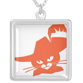 Gato anaranjado colgante cuadrado