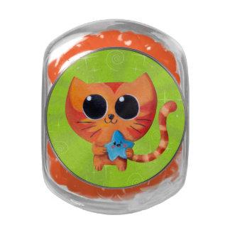 Gato anaranjado lindo con la estrella jarras de cristal jelly bely