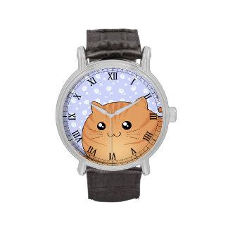 Gato anaranjado lindo del gatito del tabby de relojes