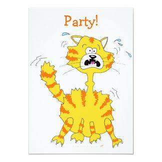 """Gato asustado del dibujo animado divertido invitación 5"""" x 7"""""""