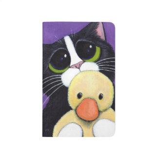 Gato asustado del smoking y pintura mimosa del cuadernos