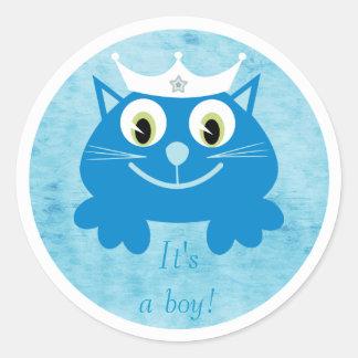 Gato azul lindo del dibujo animado su un nuevo etiquetas redondas