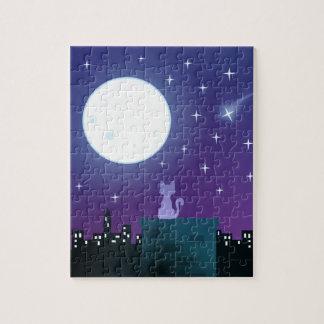 Gato bajo claro de luna puzzle con fotos