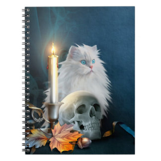 Gato blanco de Halloween Libro De Apuntes Con Espiral