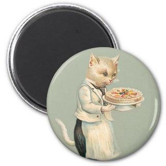 Gato blanco del Victorian lindo con el postre - vi Imán Redondo 5 Cm