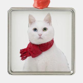 Gato blanco en bufanda roja ornamentos para reyes magos