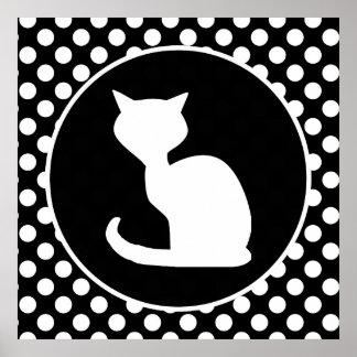 Gato blanco en lunares blancos y negros póster